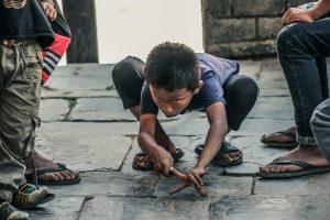 Niños jugando en Nepal