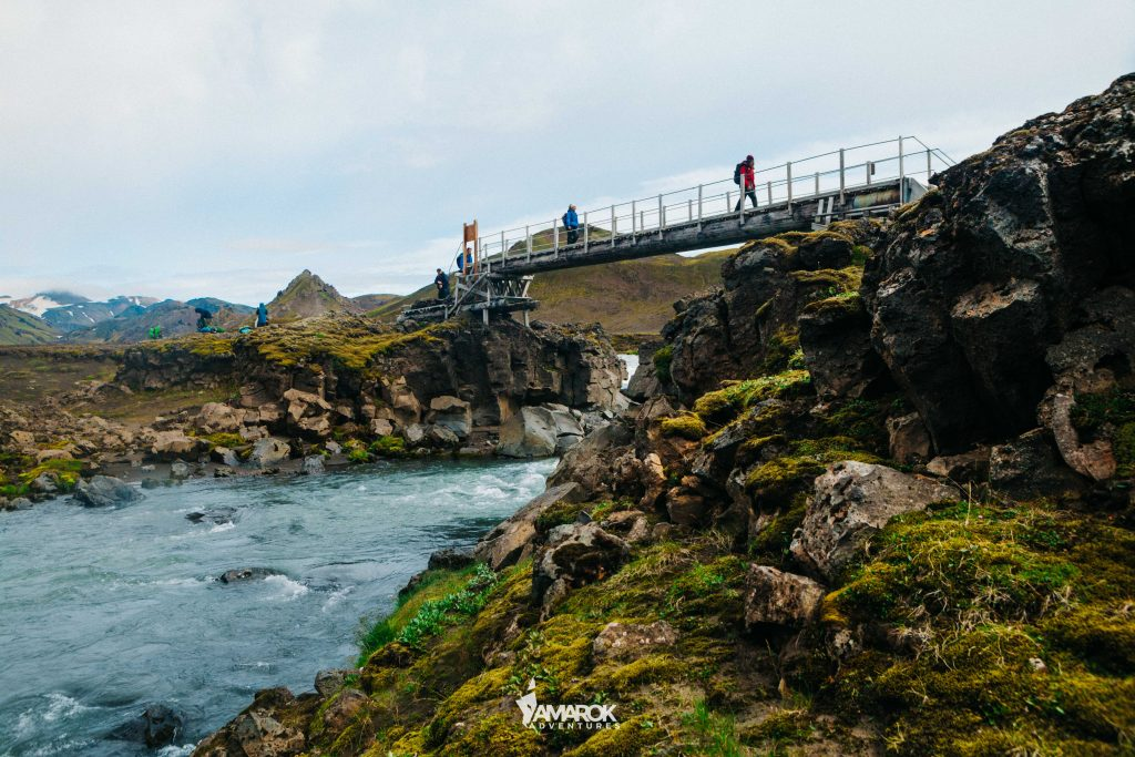 Crossing rivers - Amarok Adventures - Viajes de Aventura Islandia